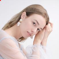 Avatar image of Model Alina Budniak