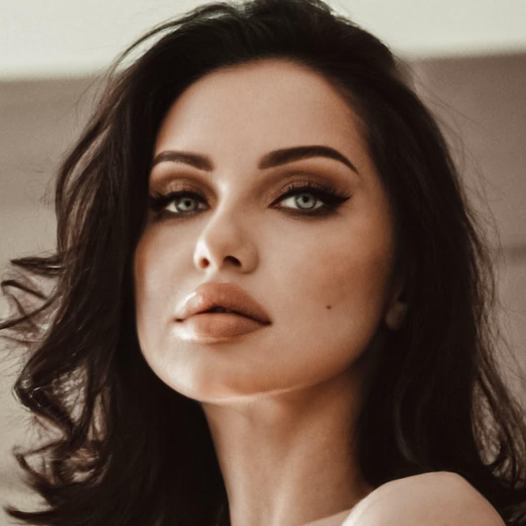 Avatar image of Model Olga Poliezina