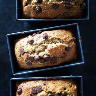 baking banana chocolatechip foodphotography instafood mondayissweet sweetmonday sweetmondaymorning sweets yum