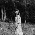 Avatar image of Photographer Louise  Treacy