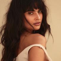 Avatar image of Model Anna Carolina Moura
