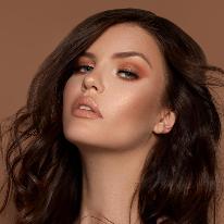 Avatar image of Model Romy  Hess