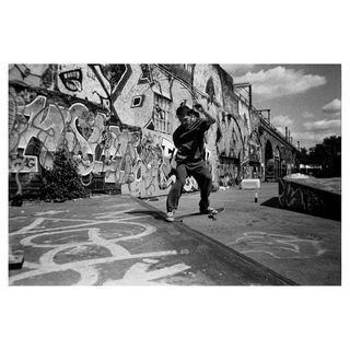 thankyouskateboarding blackandwhite blackandwhitephotography streetphotography_bw streetphotography streetphotographyinternational streetleaks people skatelife skateboarding sk8 london england igstreet ishootfilm boxspeedfeature 35mm kentmere filmphotographic filmisnotdead