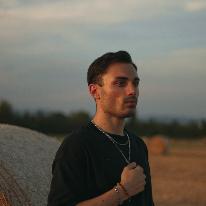 Avatar image of Photographer Matteo Olivo