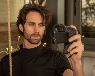 model modeling portrait portraitphotography selfie autoportrait mirrorless bridge blackshirt rope modello posare ritratto fotografiaritratto tishirtnera corda autoritratto nikon elinchrom manftotto manfrottoimaginemore