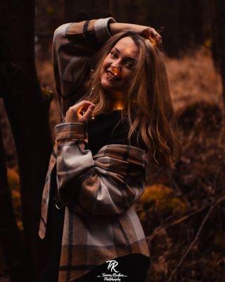 sony alpha sonyalpha a6300 a6300club portraitphotography photography photographylovers lichterkette meike 30mmf14