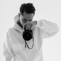 Avatar image of Photographer Mikhail Bondarenko