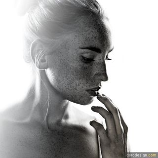 alina fellbach fotograf fotostudio gegenlicht portrait sommersprossen