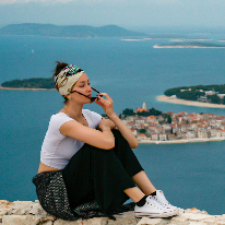 Avatar image of Photographer Paula  Štebih
