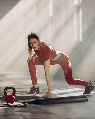 lightaholic lightaholicstudios fitnessmotivation fitnessmodel fitnessapparel apparel bodygoals nophotoshop