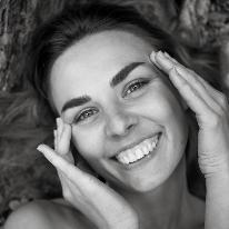 Avatar image of Photographer Julia Dudnikova