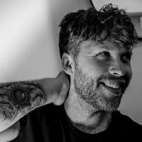 Avatar image of Photographer Robert Rixon