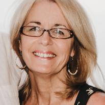 Avatar image of Photographer Sue Vaughton