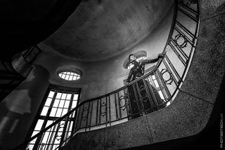 bautzen bw dark dresden_model dress modelshooting onlocazion photastisch_de shooting stairs treppen