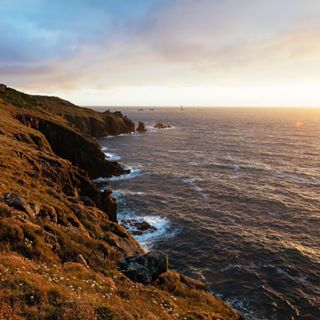 35mm coastpath exploremore goldensunset holiday landsend southengland