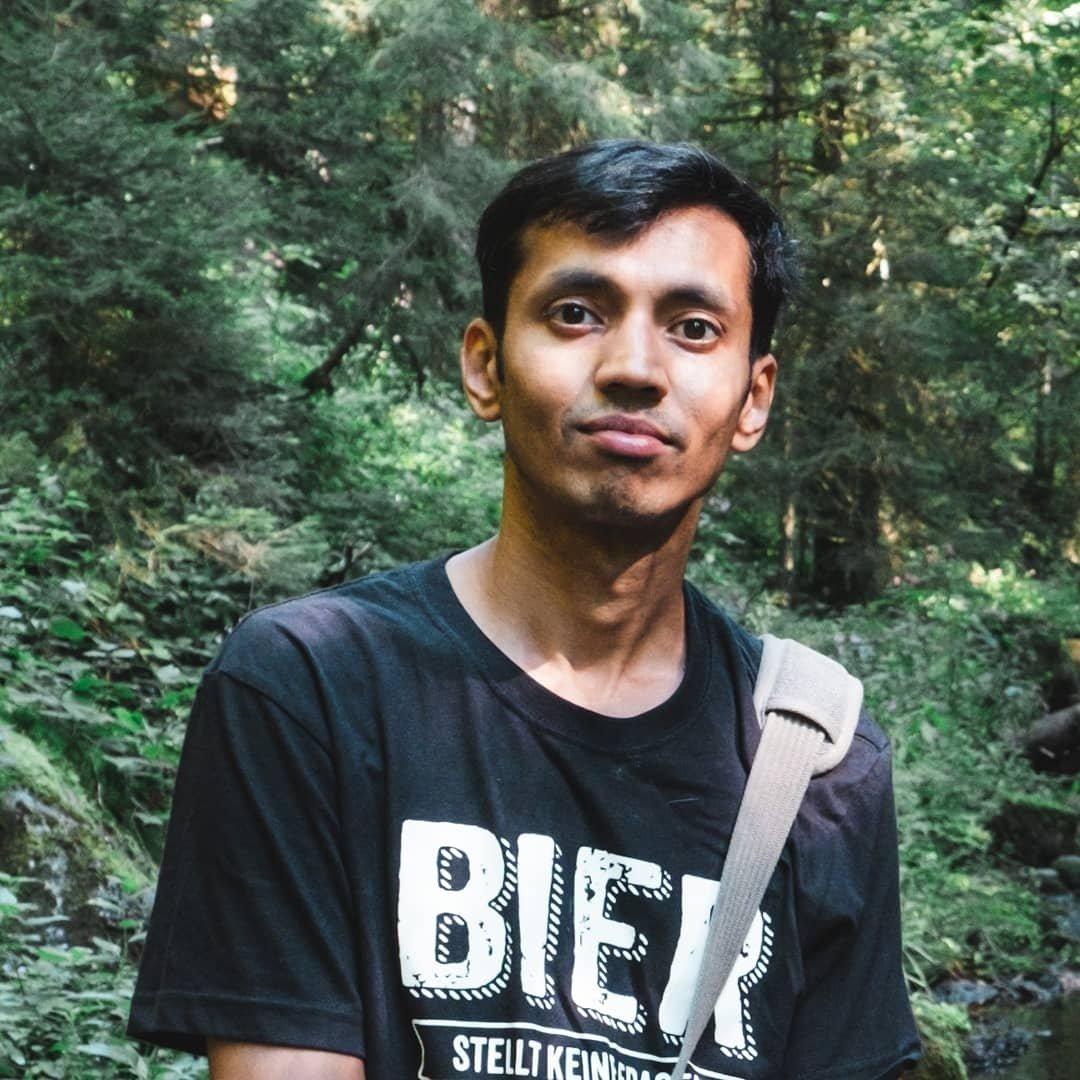 Avatar image of Photographer Harish Makaram