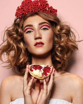 beauty beautyphotography canon curlyhair fruits granatapfel hairproducts healthy ilovemyjob instalike makeup makeupartist model photographerslife photography picoftheday pomegranate retouching shot skin stuttgart younggirl