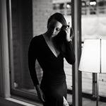 Avatar image of Photographer Ellie  Bungay