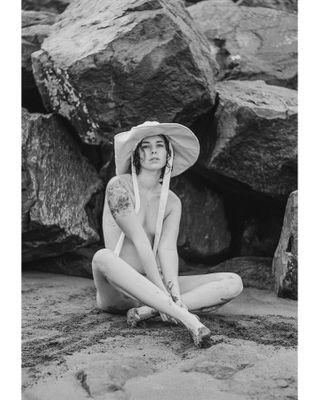 portraiture bikinimodel swimsuitmodel islandgirls islandlifestyle withhumans 50mmf18 50mmphotography underthesun lostinnature hechoencanarias madeincanarias swimwear swimwearmodel nude