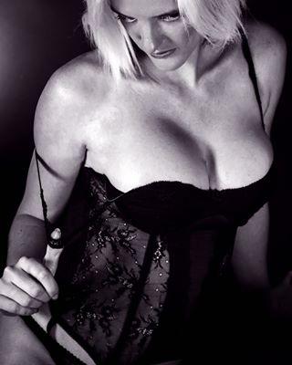 b bnw_exceptional elegance grancanaria jesusgarciafotografia lingerie sensualidad sensuality shooting