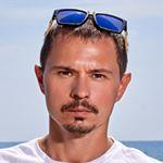 Avatar image of Photographer Maksim Demidov