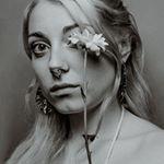 Avatar image of Photographer Molly Baber