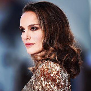 actress fashion film hairandbeauty makeup movie portrait redcarpet style venicefilmfestival