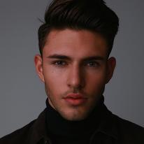 Avatar image of Model Donovan Ramolla