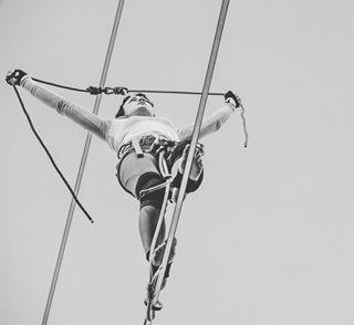 acrobat acrobatics akademianikona artist artysta carnavalsztumistrzow circus fotografia igerspoland lina lublin nikon nikon_pl nikonz6 nikonz6_z7 nikon_z_mirrorless people photo photographers photography portrait portraitphotography sky tightrope tightropewalker woman