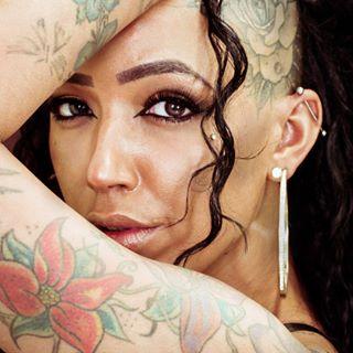 beautifuleyes👀 femalemodeling intense kojicam leica leicavluxtyp114 portrait_shot staredowns tattoofemale