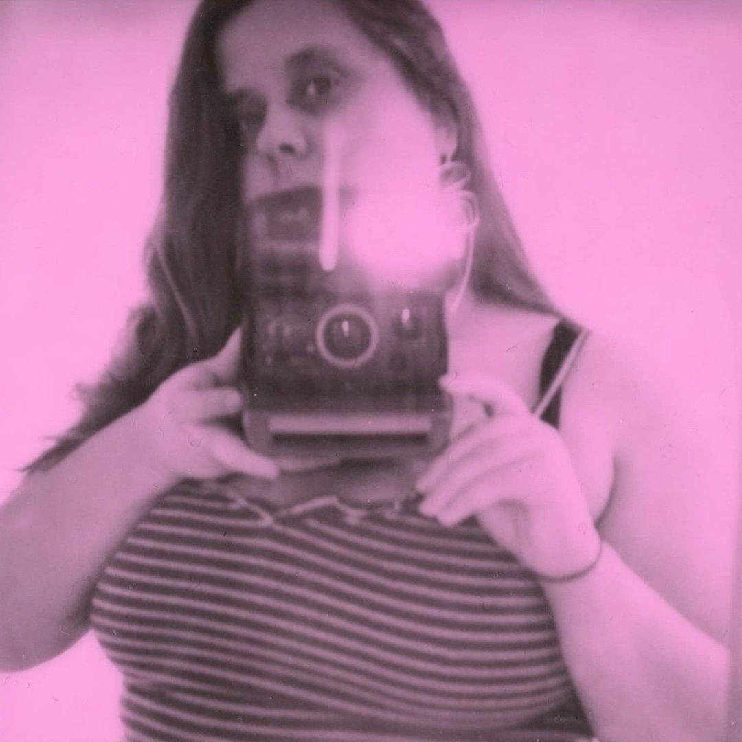 Avatar image of Photographer Chloe Hamill