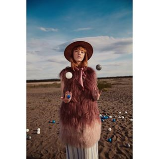 bag balls conceptual desert design extravaganza fall fashion fashiondesign furrecycling gingermodel handmade hat model outfit recycledfashion sand space summervibes vintagefur