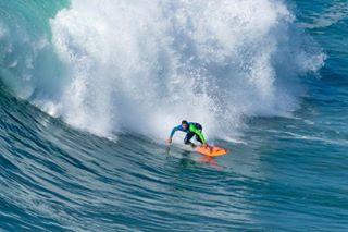 4surf bigwaves canon100400ii canon7dmarkii canonphotography canonphotos canonsports canonsurf nazare photooftheday portugal portugalsurf portugalsurfing praiadonorte praiadonortenazare seascape staydamp surf surfing surfphotographer surfphotographers surfphotography waves