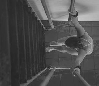 adv advertisingphotography blackandwhite bnw_shot divingboard divingspringboard gettysport girlgaze imperastiledominante photographie platormdiving sportdiving sportphotogoraphy springboardiving swimsuit tuffi workoutroutine