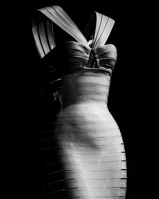 bw contrast elisabettapaganelliphotographer exposition fashion photography photos pic pics shape style woman