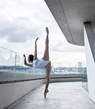 antwerp architecture_minimal balletvlaanderen camerasanddancers dancephotography googlepixel4xl performingarts pixel4 teampixel zahahadid