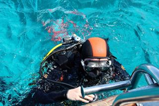 balon canon canonphoto canonphotography diver divers diving divingphotography diving_photography egypt egyptphotography people redsea scuba scubadiving scubaequipment scubagear sea sinai tiran travel travelers travelphotography