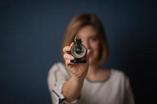 bluebackground bokeh coaching corporate fotografnrw fotografpaderborn kompass leadinglines navigate portrait selbstständigkeit vision ziele