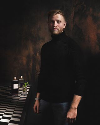entrepreneur gin portrait profoto